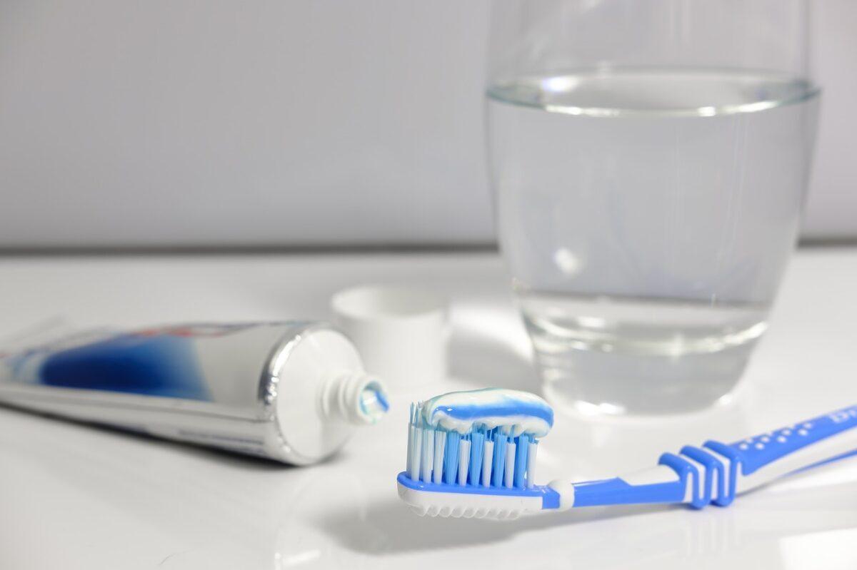 Koliko često treba menjati četkicu za zube?